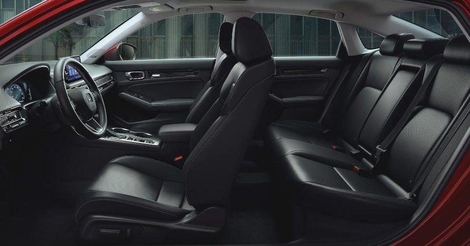 صورة المقصورة الداخلية لسيارة هوندا سيفيك 2022