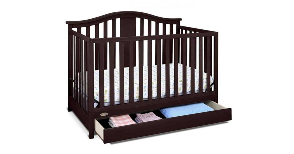 سرير أطفال متعدد الأغراض