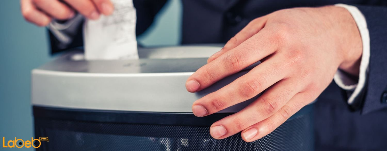 أصبحت ماكينة تمزيق الورق من أهم إلكترونيات المكاتب.