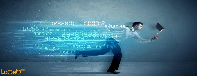 العمل على شبكة انترنت بطيئة قد يكون بالأمر المحبط فهل هنلك طرق معية لزيادة سرعة الإنترنت؟ إقرأ هذه المقال لمعرفة المزيد