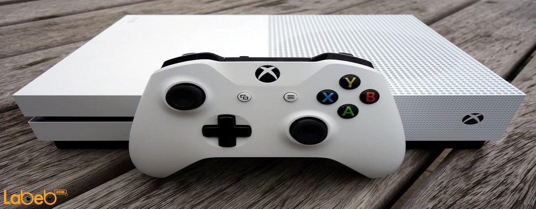 مشغل Xbox One X الجديد ليس جيلاً مستقلاً من المشغل الشهير في الواقع، بل أنه استمرارية للجيل الثالث من المشغلات الخاصة بشركة Microsoft