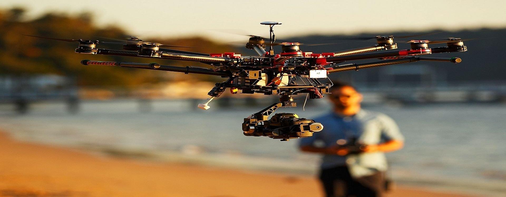 ما هي ميزة الطائرات من غير طيار (درونز) المتاحة للاستخدام التجاري والمنزلي وكيف تختار أفضلها