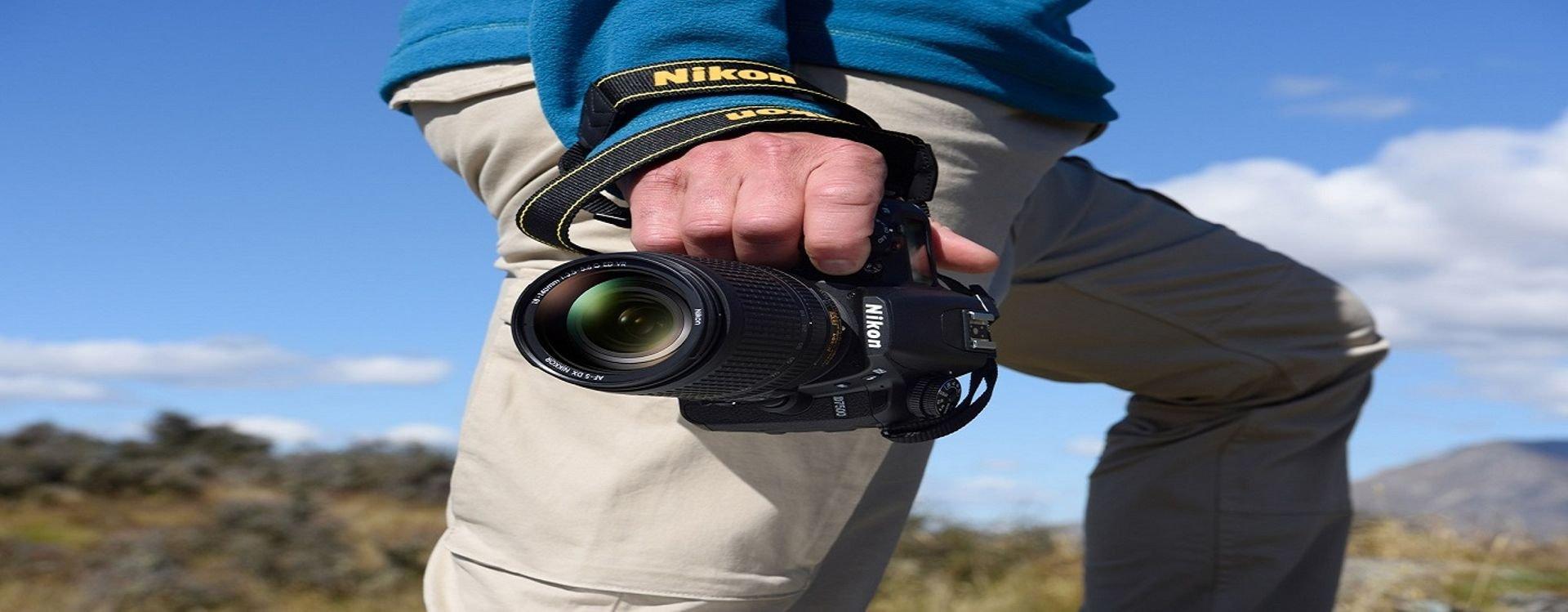 ما هي مواصفات كاميرا نيكون دي7500 الجديدة