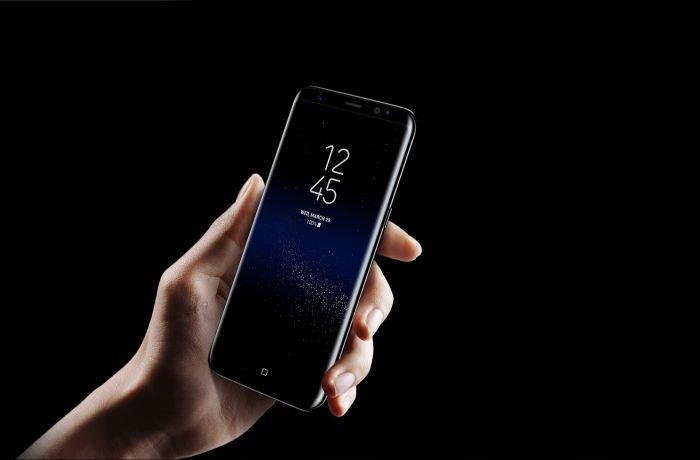 Samsung's S8 size