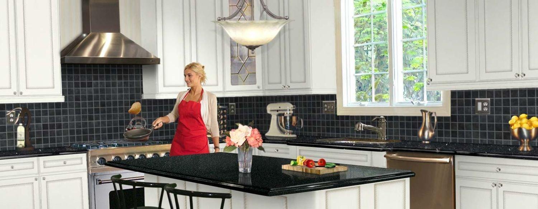تعد شفاطات الهواء أحد أهم أدوات المطبخ التي تسحب نواتج الاحتراق والأبخرة والدخان والروائح والحرارة والبخار من المطبخ إلى خارج المنزل.