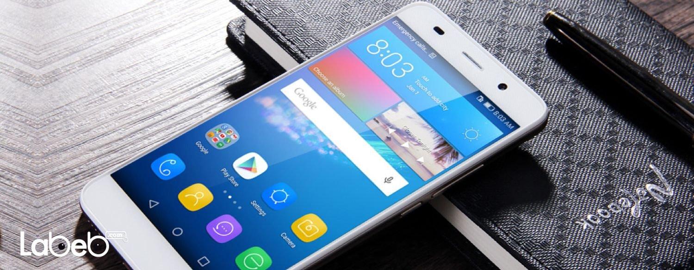 تتميز هواتف واي 6 برو ببطاريات تبلغ سعتها الكهربائية 4000 مللي أمبير في الساعة، وكاميرات بدقة وضوح تبلغ 13 ميجا بكسل.