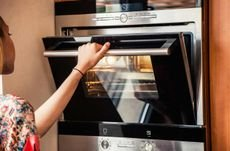 Your Guide to Built-In Ovens