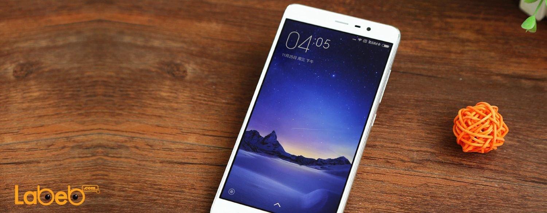 يرى خبراء عالم التكنولوجيا بأن هواتف شياومي ريدمي نوت 3 تضاهي كل من أبل ايفون 6 بلس وسامسونج جلاكسي نوت 4