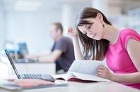 الطلاب هم أكثر المستخدمين رغبة في اقتناء الحواسيب المحمولة، وأكثرهم حيرة في ذلك.