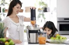 Your Guide to Choosing Juicers