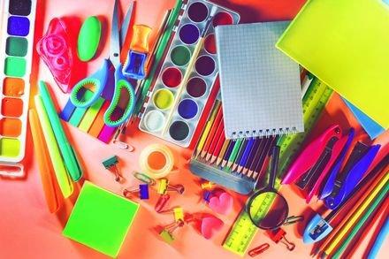צבעים וציוד נלווה