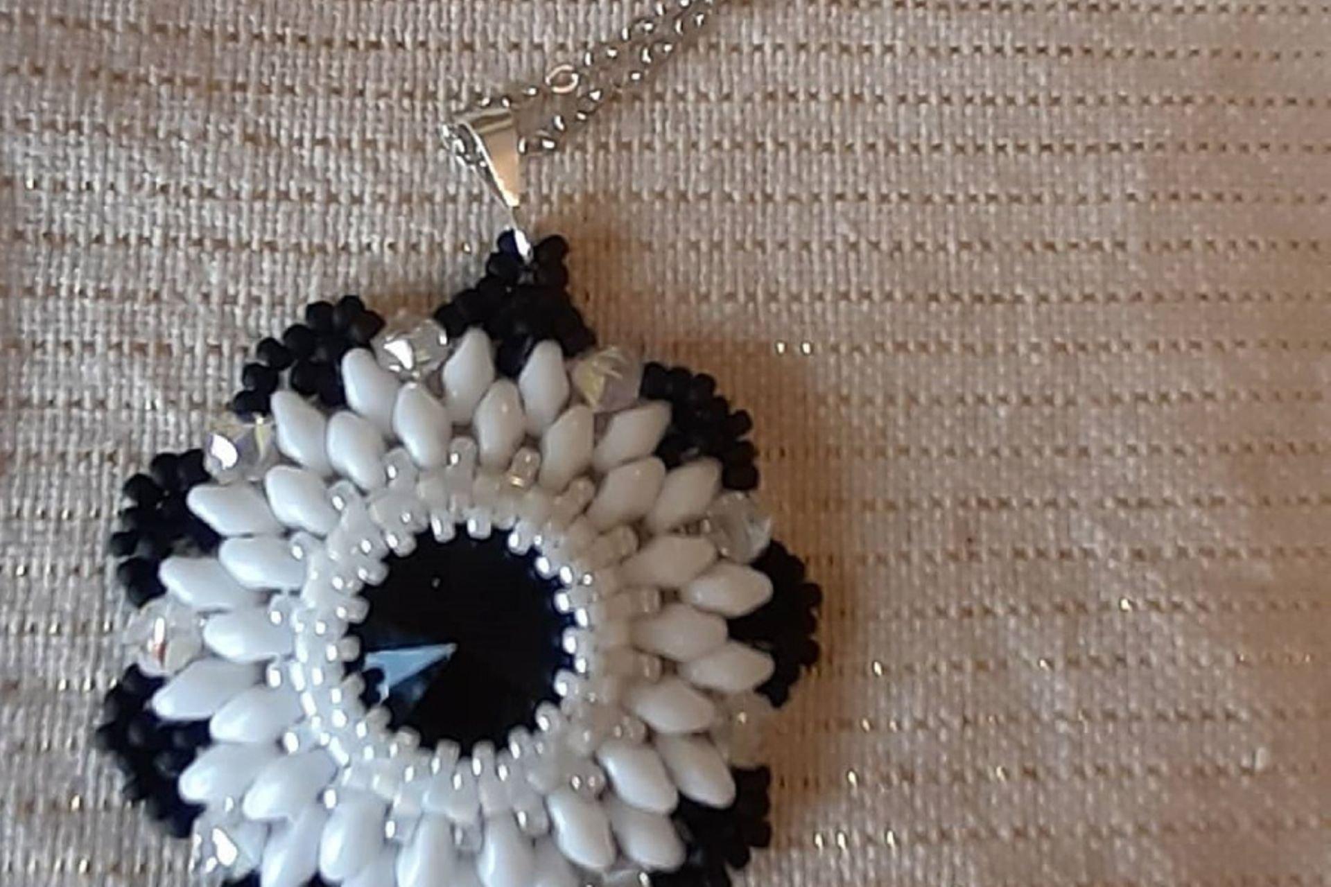 26 lantana beads jewelry designer תְמוּנָה