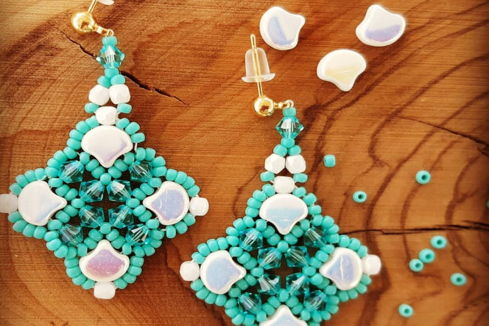 6 lantana beads jewelry designer תְמוּנָה