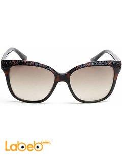 نظارات شمسية GUESS - للنساء - إطار بني داكن - عدسة بنية - موديل GU7401