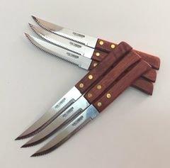 6 סכיני סטייק, עשויים מעץ, חדים במיוחד לחיתוך סטייק בשר אדום.