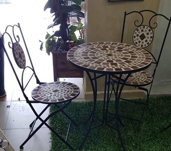 שולחן מועצב לגן