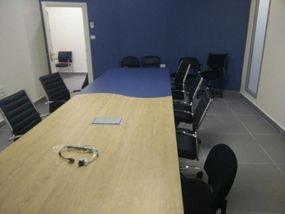 שולחן מפגש