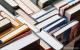 ספרים וקטלוגים עם כריכה רכה עם למינציה.