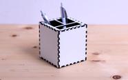 מעמד - קופסת עטים לשולחן - קובייה עם הדפסת 4 תמונות באיכות פוטו!