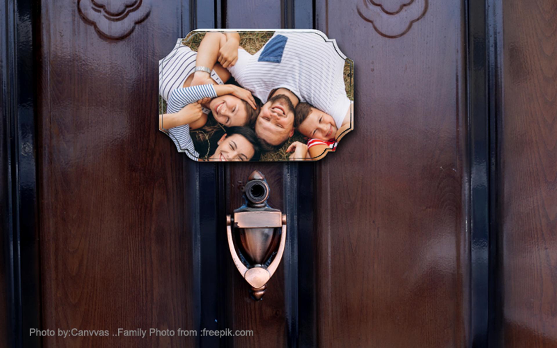 מגן לדלת כניסה או לשולחן, הדפסה על עץ באיכות פוטו. מלבן מקושט.