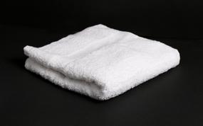 """מגבת איכותית עם הדפסת תמונה או טקסט על הפס בלבד! גודל 35*50 ס""""מ.."""