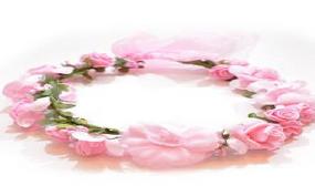 זר לראש עם פרחים בצבע ורוד
