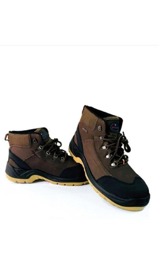 נעלי בטיחות עם ברזל