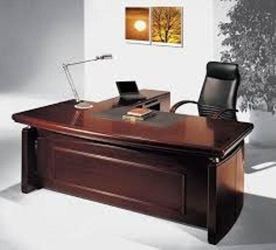 שולחן משרדי מפואר למנהל