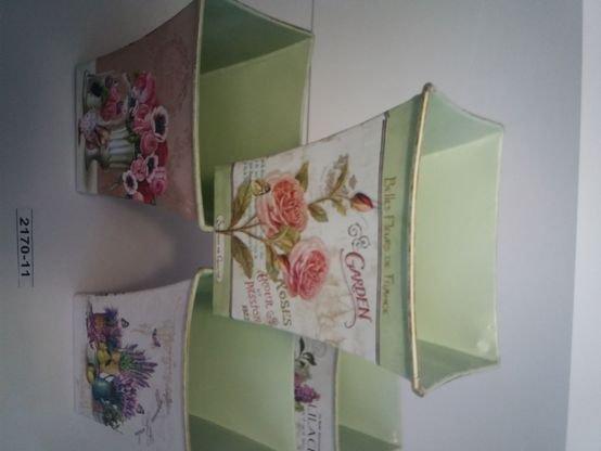 קופסה מלבנית מתכתית פרחים