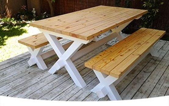 שולחן X עם שני ספסלים