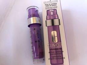 Clinique iD Moisturizing lotion+ מבחנה פעילה סגולה לפי דאגת עור זאת לי