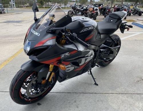 2020 Suzuki gsx r1000cc available for sale whatsapp 0971563148402