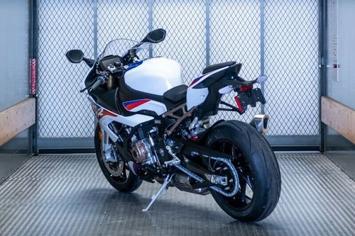 2020 BMW S1000RR    whatsaspp +971526052849