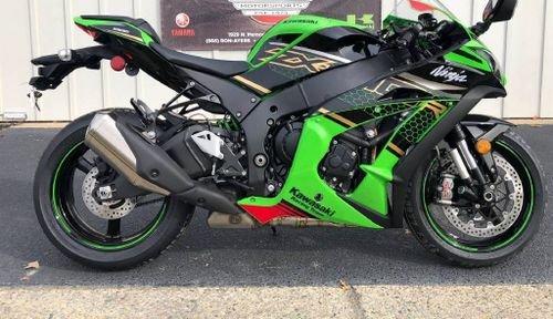 2020 Kawasaki Ninja ZX10R   WHATSAPP  +971526052849