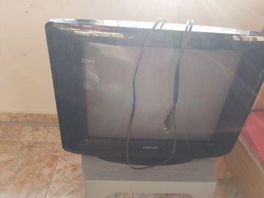 تلفزيون سامسونج نظيف جدا