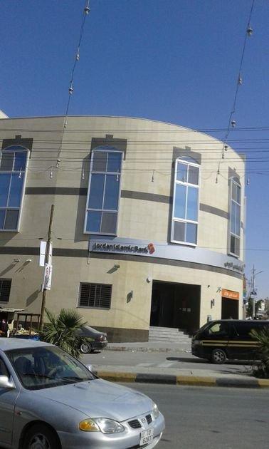 مجمع تجاري للإيجار بدون خلو / موقع مميز /  حي معصوم