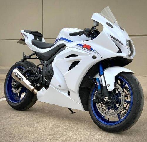 2016Suzuki Gsx-r 750 for Sale, for more details Contact product description details below.