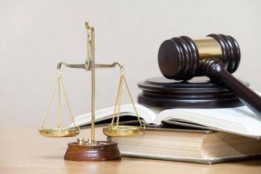 اطلب خدمة كتابة رسالة ماجستير في القانون بـ 8 تخصصات قانونية مختلفة