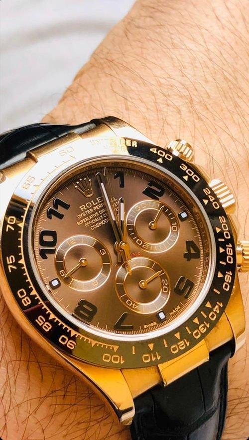 شراء الساعات السويسرية الاصليه المستعمله