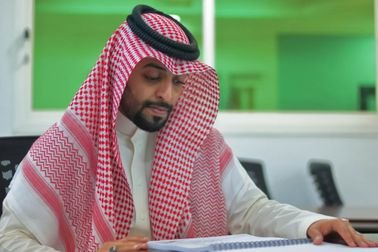 هل تبحث عن مكتب متخصص في السعودية لـ عمل بحوث جامعية في الادارة ؟