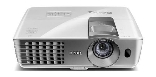 BenQ Wireless Living Room Projector Full HD 1080P W1070+ model