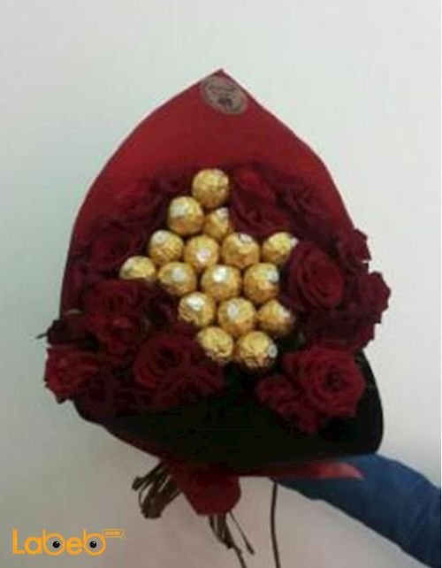 Flower bouquet, designed by rose and Ferrero Rocher chocolate