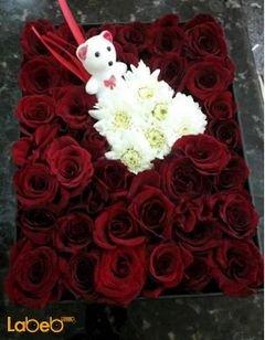صندوق أزهار - لون احمر - كريز بالوسط واكسسوار ابيض