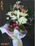 ضمة زهور من ورد جوري احمر - إكسسوار متروكاليا - خضارات هولندية