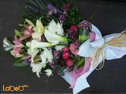 ضمة زهور من ليليوم كالا ورد جوري كريز لياترس قرنفل صيني خضار هولندي