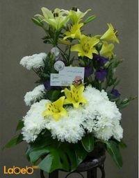 بوكية ازهار زهرة ليليوم زهرة كريز ونبتة القفص الصدري أصفر وابيض وبنفسجي
