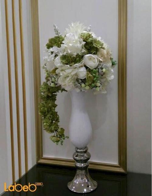 مزهرية وفازه ورد اصطناعي فازه لون أبيض ورد أبيض وأخضر