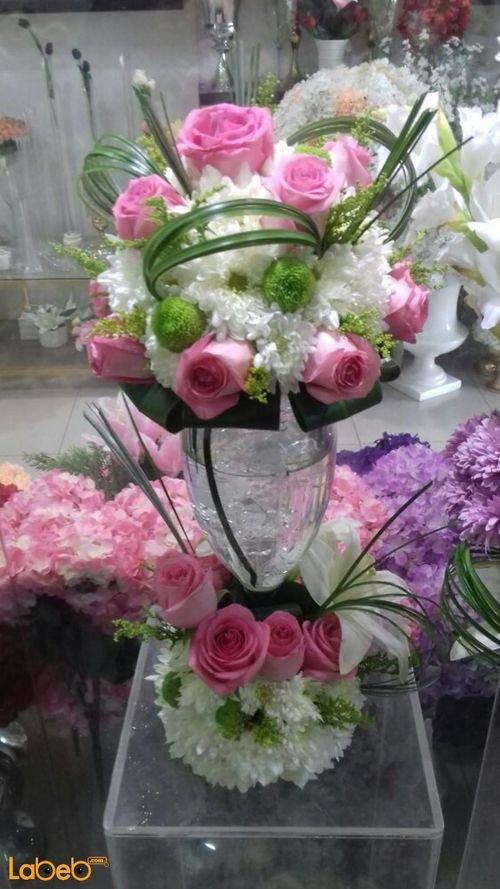 فازة زجاجية ورد طبيعي فازة شفافة ألوان ابيض وزهري
