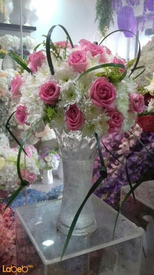 مزهرية وفازه ورد طبيعي فازة زجاج ابيض وزهري