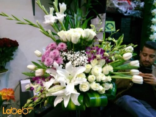 Natural flowers vase White Pink Green paper